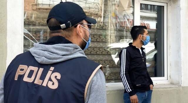 """Alkol sattığı için gözaltına alınan Esnaf: """"Uyuşturucu satıcısına böyle bir baskın yapılmamıştır"""""""