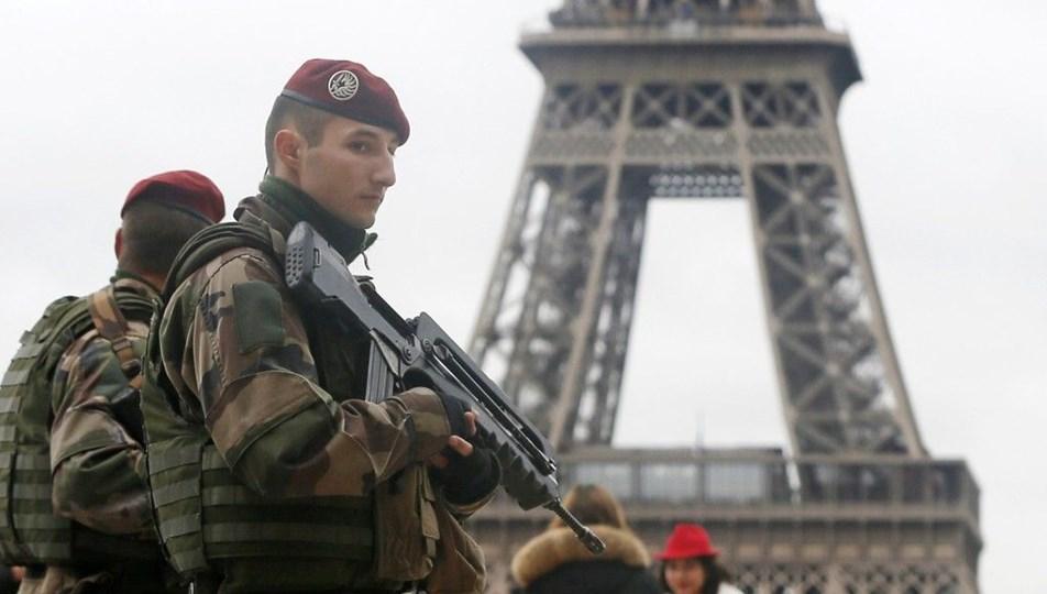 """Fransa Ordusundan Macron'a ikinci tehdit: """"İç savaşa göz yummayız"""""""