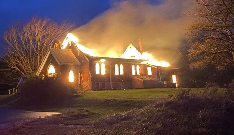 Kanada'da Katolik Kiliseleri yakılıyor