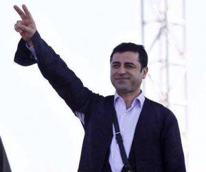 """Selahattin Demirtaş: """"Üzgünüz, alçakça katledilen Deniz Poyraz'ı saygıyla anıyorum"""""""