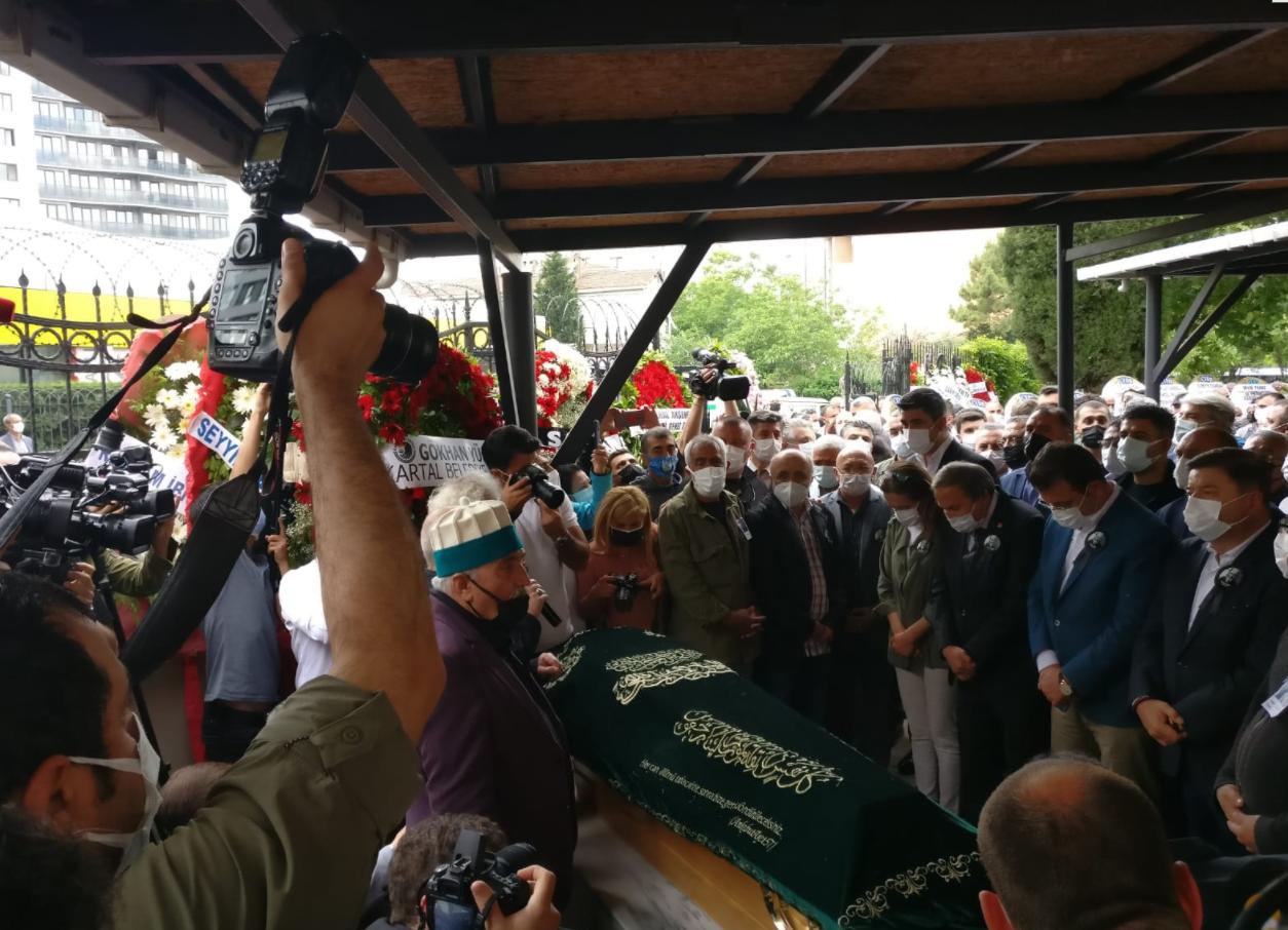 Hasan Saltık, Kartal Cemevi'nden son yolculuğuna uğurlandı