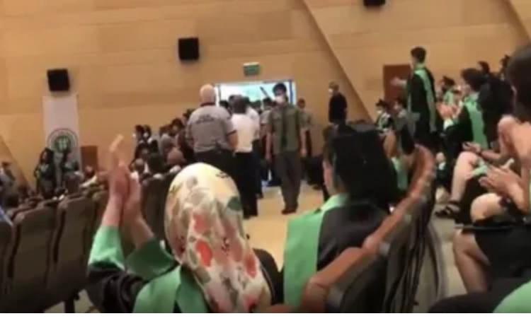 Madımak'ı anan tıpçılara özel güvenlik saldırdı