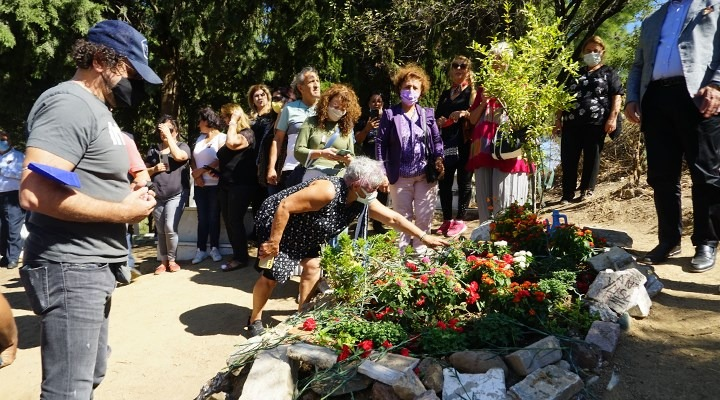 Usta oyuncu Tuncel Kurtiz unutulmadı, mezarı başında anıldı
