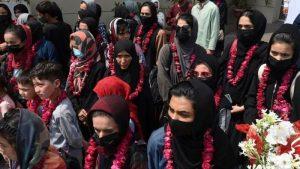 Afganistan Kadın Milli Futbol Takımı Taliban'dan kaçarak Pakistan'a gittiler