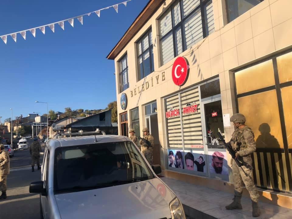 AKP'li Belediye Başkanı, Kayyum Belediye Başkanı Kaymakamları usulsüzlükle suçladı