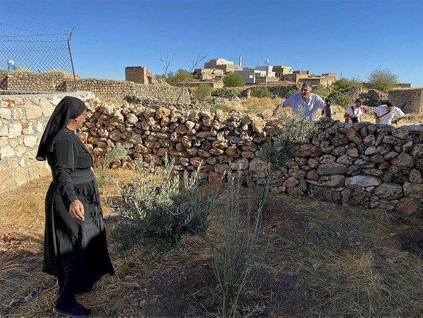 Süryani Rahibe, 36 yıl sonra doğduğu topraklara; Midyat'a geri döndü